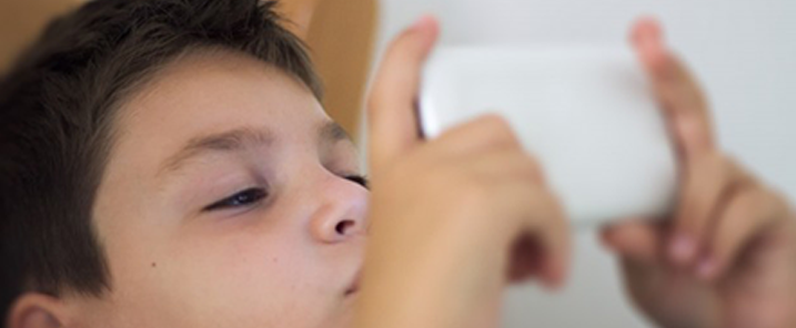 Let your kids be smart without a smartphone