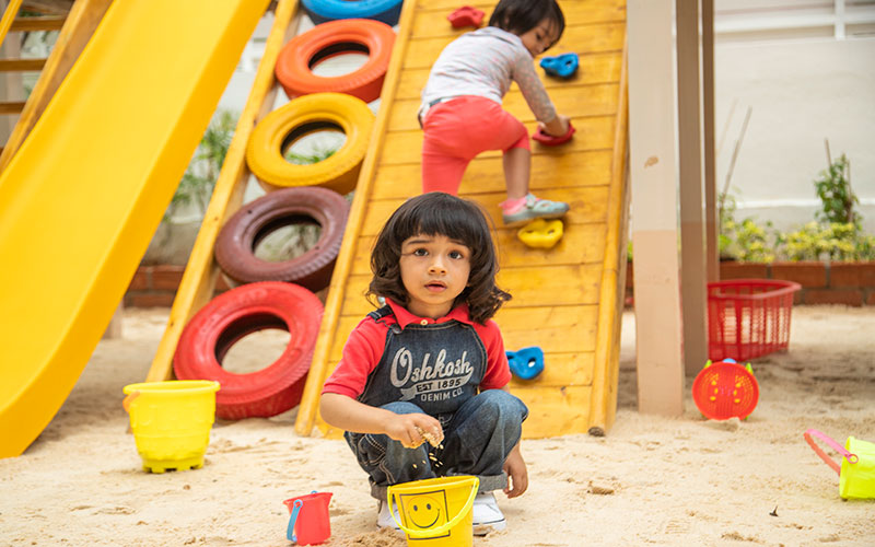 play outdoors safty-Preschool in richmond town